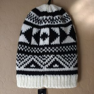 NWT Express Black and White Knit Beanie